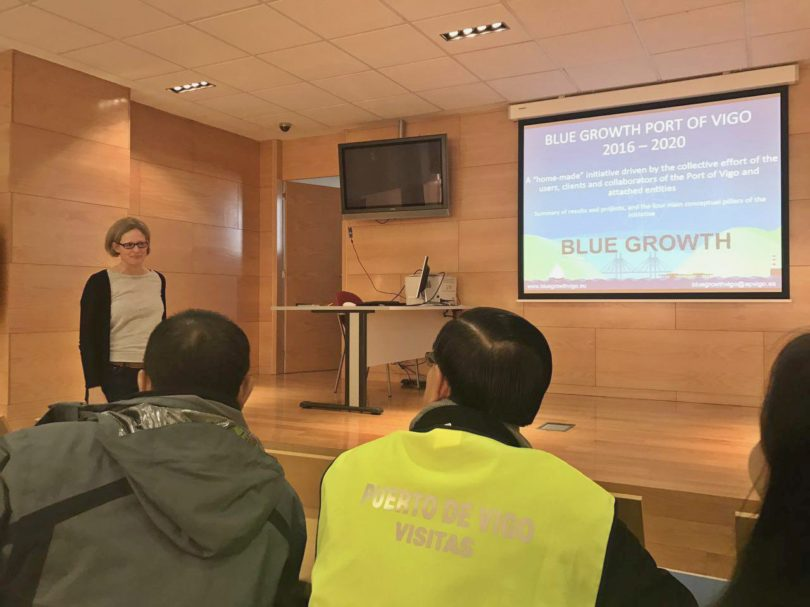 Discussion of Annina Burgin, in charge of Marinnleg Project. The MarInnLeg foundation is one of the projects under the Blue Growth Plan, which is headed by the Vigo Port Authority. Galicia is the first EU region to create a Foundation with a public-private patronage for the study of marine and fisheries legal matters.