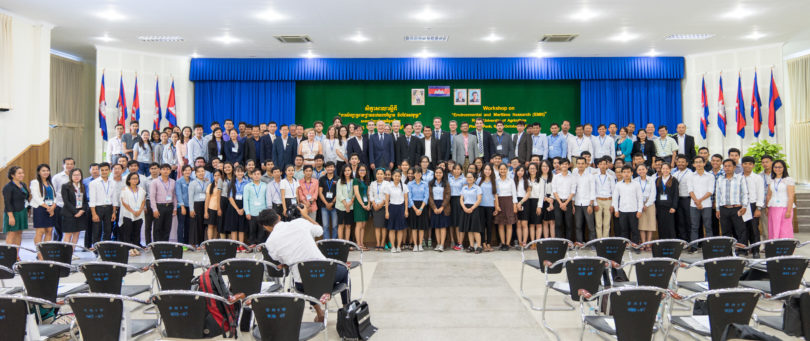 Official opening photo with the Secretary of State, His Excellency Mr. Yuok Ngoy, Secretary of State, Ministry of Education, Youth and Sport of Cambodia and Rectors of DOCKSIDE Partners university